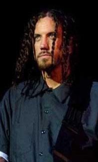 """Welch, grubun yaptığı 'agresif' müzik hakkında da şöyle konuşmuştu: """"Öfke iyi bir şey ve çocuklar Korn'u dinlemek istiyorsa, buna bir şey demem, ama öfkeden sonra mutluluk var."""""""