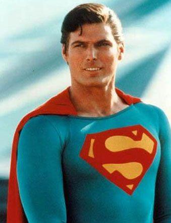 """Hep """"Süpermen"""" olarak kalacak.   Beyazperdede rolünü hakkıyla canlandıran oyuncuların başında gelen Christopher Reeve, bugün aramızda değil.   Kaynak: Milliyet"""