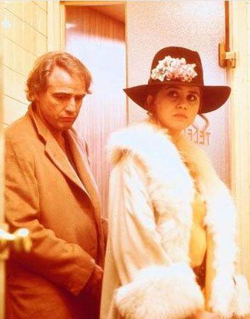 """Schneider 1972'de 19 yaşındayken Marlon Brando ile birlikte oynadığı film ile ilgili olarak """" """"Bana senaryoda olmayan seks sahnesini oynattılar. Marlon Brando ile Bernardo Bertolucci'nin tecavüzüne uğramış gibi hissettim. İntiharı bile düşündüm"""" diye konuşmuştu."""