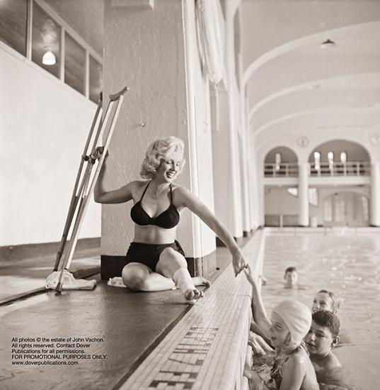 Vachon, Monroe'yu LOOK dergisi için çekmiş, ancak bu karelerden sadece üçü dergide basılmış.