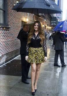 Khloe Kardashian (Kim Kardashian'ın kardeşi):  Türkiye, dualarım seninle.