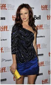 Juliette Lewis:  Umarım Türkiye'deki insanlar iyidir. 7.2 deprem oldu! İyi dileklerimi yolluyorum. #love4turkey