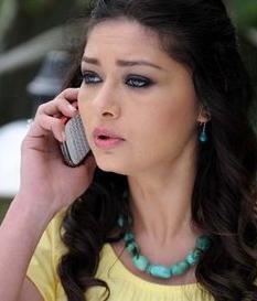 Bugün ekranın en çok kazanan kadın yıldızlarından biri olan Yeşilçay yeni sezonda Sensiz Olmaz dizisinde rol alıyor.