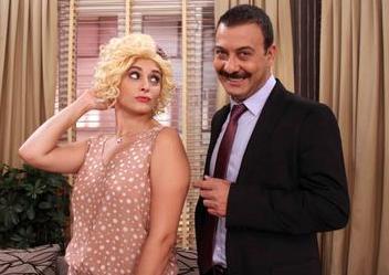 Hande Katipoğlu da 1982 doğumlu.