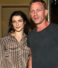 Bir çocuk annesi yıldız kısa bir süre önce Daniel Craig ile evlendi.