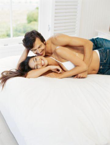 Hamam, sauna ve spa gibi buhar yönünden zengin alanlar kadınlarda cinsel arzunun artmasına sebep olabilmektedir. Ayrıca yapılacak bir masaj oldukça etkili bir azdırıcı olarak ele alınabilir.