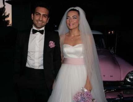 Fatmagül'ün Suçu Ne dizisinin oyuncularından Buğra Gülsoy ile Burcu Kara da kısa süreli birlikteliklerini evliliğe taşıdı.