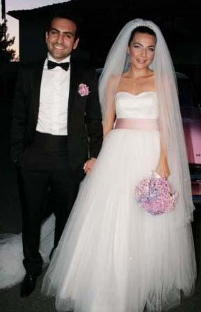 Haziran ayında nişanlanan çift 24 Temmuz'da dünyaevine girdi.
