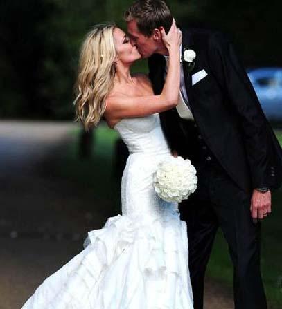 25 yaşındaki Clancy ile 30 yaşındaki Crouch, Leicestershire'da evlendi.