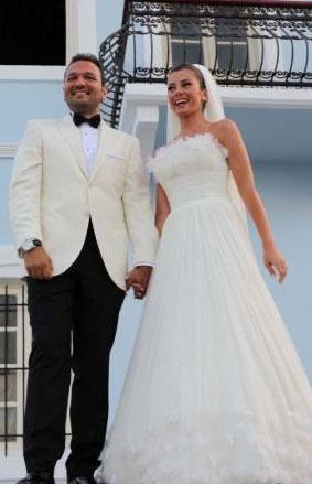 Yunanistan'ın Leros adasında da düğün yaptı.