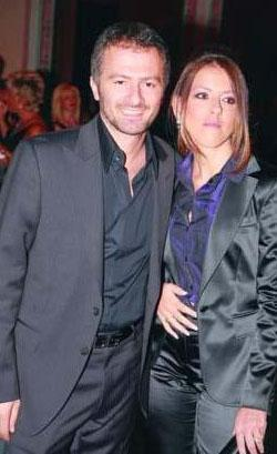 Bahar ve Ozan Şer, 2000 yılında Paris'in dünyaca tanınan en lüks ve pahalı restoranlarından Ledoyen'de Türk usülü bir düğünle dünyaevine girdi.