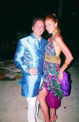 İstanbul cemiyet hayatının hızlı çapkınlarından olan, yatırım danışmanı Aytek Şavkan, Brezilyalı güzel Martha ile hayatını birleştirdi.