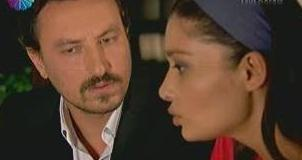 Nurgül Yeşilçay Sensiz Olmaz dizisinde Onur Saylak'ın oynadığı karakter ile evlendi.