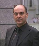 Fatmagül'ün Suçu Ne'de Murat Daltaban'ın oynadığı avukat özel hayatında pek de başarılı sayılmaz.