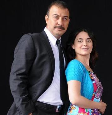 Yahşi Cazibe'nin Cazibe'si dizide Hakan Yılmaz'ın oynadığı Kemal'e uzaktan uzağa aşık.