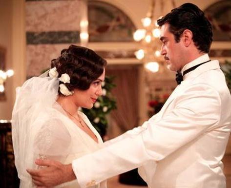 Bir Günah Gibi dizisinde Özge Borak'ın oynadığı Benan, Burak Hakkı'nın canlandırdığı Enver ile evlendi.