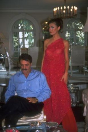 Motivasyon mesajları pahalıya patladı   Yine 2000'lerin başıydı... Türk sinemasının efsane aktörlerinden Kadir İnanır. TV'lerde ilgiyle izlenen bir dizide başrol oynuyordu.