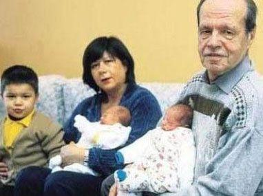 Eski eşinin kızıyla evlendi   Gazeteci- yazar Refik Erduran da çok konuşulan bir evliliğe imzasını attı.