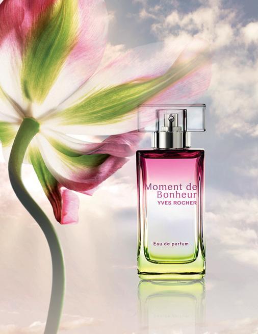 Yves Rocher Moment De Bonheur Parfümün özündeki Mayıs gülü feminen ve mutlu bir duygu veriyor. Tıpkı bahçede yeni açan güller gibi... 50 ml, 69 TL; (0212) 344 00 34.