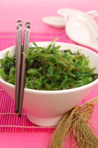 Deniz sebzeleri:  Kırmızı deniz otu gibi sebzeler kalsiyum, iyot, demir açısından zengindir, ki bu da libidoyu uçurur.