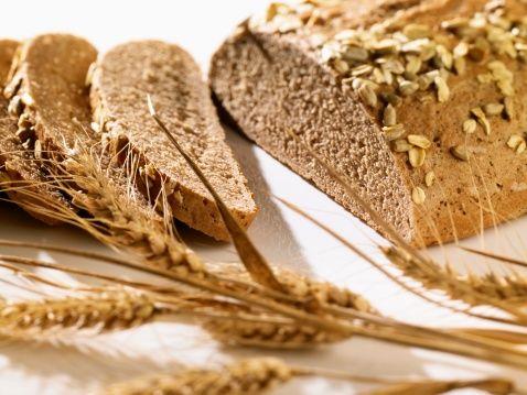 Tam buğday unuyla yapılmış ürünler içerdikleri zengin B vitamini ve lifler düşünülerek kepek karıştırılarak hazırlanmış ürünlerle beyaz undan yapılmış ürünlere tercih edilmelidir.