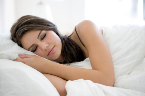 Uyku: Mümkünse 22.00'den önce yatın. 5 saatten az 9 saatten fazla uyumayın. İyi bir uyku için midenizin boş olması gerektiğini unutmayın.    Hazırlayan: Prof. Dr. Ahmet Aydın