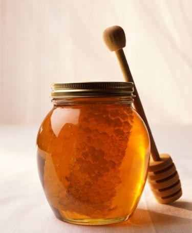 Bal: Halis ise şifa verir. Günde bir iki çay kaşığı yenilebilir. Alelade ballar, her çeşit ve reçel aşırı şeker içerdiğinden yenilmemelidir. Piyasadaki balların en az %95'i doğal değildir. Fazla olmamak koşulu ile meyvelerin kendi şekeri ile yapılan pekmezleri yenilebilir.