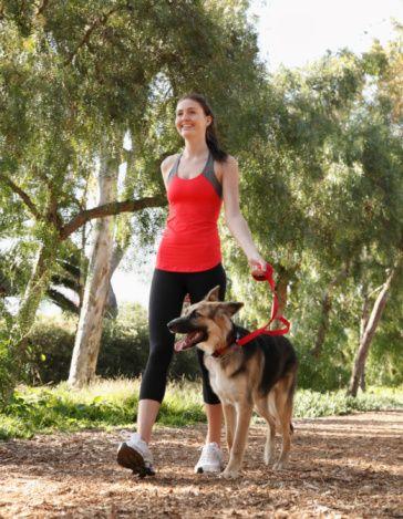 Hareket: Günde en az yarım saat hızlı yürüyüş yapılmalı ya da yavaş koşulmalı ve merdivenler çift çift çıkılmalı.  Günde en az 3-5 dakika kültür fizik hareketleri yapılmalı. Yorgun düşüren hareketlerden kaçınılmalı. Egzersiz ağırlığı tedricen artırılmalı. Hedefinizi iyi seçin. Her gün yapabileceğiniz egzersizleri yapın. Derin temiz hava soluyarak hücrelerinizdeki oksijeni artırın.