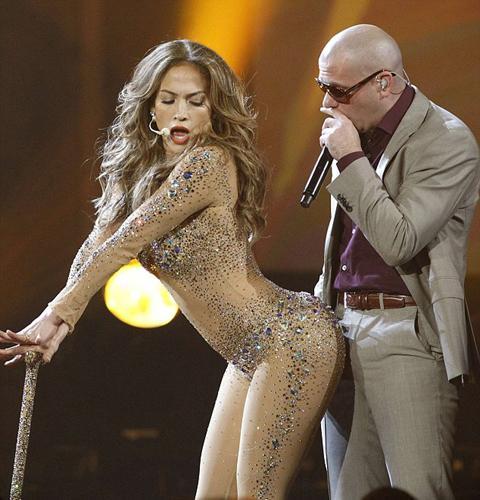 2011 Amerikan Müzik Ödülleri'ne Jennifer Lopez'in seksi sahne şovu damgasını vurdu.