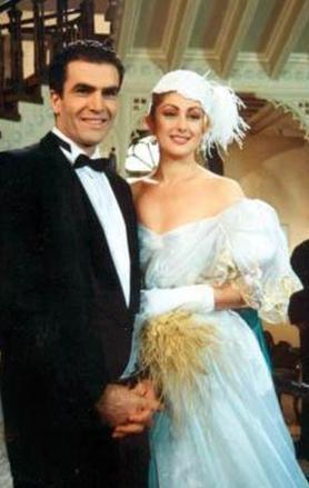 Ersoy, manken ve oyuncu İsmet Özhan ile evlendiğinde artık olgunluk çağlarındaydı.