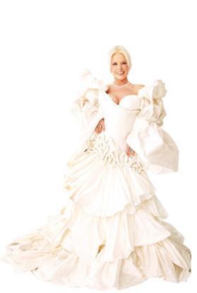 Yazar Türkiye'nin en çok evlenen ünlülerinden biri.