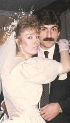 Seda Sayan ilk evliliğini Rıdvan Kılıç ile 23 yaşındayken yaptı.