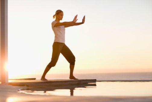 Duruş bozuklukları için öneriler  KadıköyŞifa Hastanesi Ortopedi ve Travmatoloji Uzmanı Op. Dr. Ali Canpolat'ın öğretmenlere önerileri şöyle:  Bol hareket etmek. Uzun süre oturmak zorunda kalan kişilerin her 40 dakikada bir ayağa kalkıp tekrar oturmaları gerekir. Bunun dışında düzenli hareket etmek, yürüyüş yapmak veya egzersiz yapmak kasları rahatlatır.