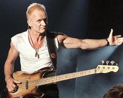 Ünlü şarkıcı Sting İtalya'da yetiştirdiği ve aralarında zeytinyağının da bulunduğu organik gıda ürünlerini satıyor.