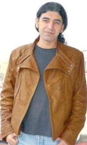 Murat Kekilli  Ünlü bir şarkıcı olmadan önde hamallık yapıyordu.