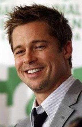 Brad Pitt  Eğer aktör olmasaydı büyük olasılıkla gazeteci olacaktı. Çünkü bu alanda eğitim gördü. Ama okulu bitirmesine çok az bir süre kala eğitimini yarıda bıraktı.
