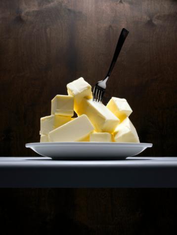 1990'lı yılların başında bazı bilimsel çalışmaların, trans yağların sağlık üzerinde olumsuz etkilerinin olduğunu göstermesiyle birlikte besin endüstrisi kendi önlemlerini almaya başladı.   Takiben 1995 yılında Avrupa Birliği'nin 'trans yağ içermeyen' ürün politikasını devreye sokmasıyla birlikte 'trans yağ içermeyen' margarinler tüketime sunuldu.