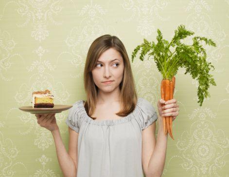 Her yediğimiz yiyeceğin kalori içerdiğini unutmamalıyız. Her alınan fazla kalori de vücutta yağa dönüşerek depolanır ve kilo artışına sebep olur. Bizleri mutlu edecek gıdaları tüketirken sağlığımızdan olmamaya dikkat etmeliyiz.