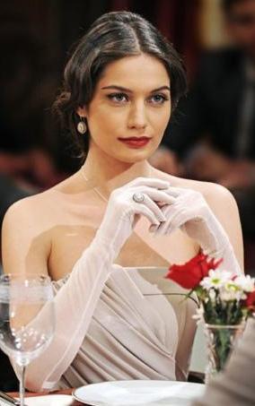 Gülcan Arslan da yeni dönemde öne çıkan genç yıldızlardan biri. 25 yaşındaki yıldız 2007'den bu yana dizilerde rol alıyor.