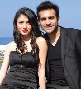 Kıbrıs doğumlu Ergüçlü, bu filmdeki performansıyla dikkat çekti.