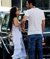 Murat Yıldırım ile eşi Burçin Terzioğlu şakacı aşıklar.