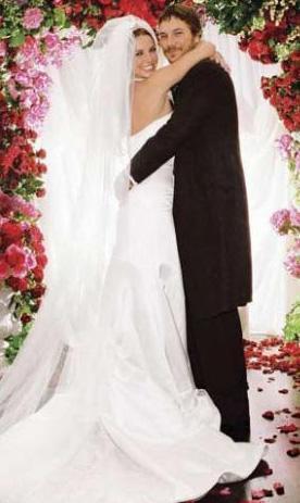 ŞİMDİLİK SAKİN  Pop müziğin çılgın kızı Britney Spears ile eşi Federline'ın boşanması da olaylı oldu.