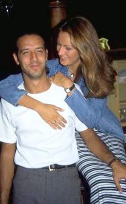 İhanetin gün ışığına çıkması ile boşanma kararı alan Umut Elçioğlu ve Pınar Altuğ, mal paylaşımı konusunda da çeşitli anlaşmazlıklar yaşadı.   Eski karı-koca şimdilerde birbirlerinin ismini bile anmıyor...