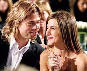 Ta ki Pitt; Bay ve Bayan Smith adlı filmde Angelina Jolie ile başrol oynayıncaya kadar...   Pitt ve Aniston'ın aylarca konuşulan hiç bitmeyecekmiş gibi görünen evliliği 5 yılda bitti.