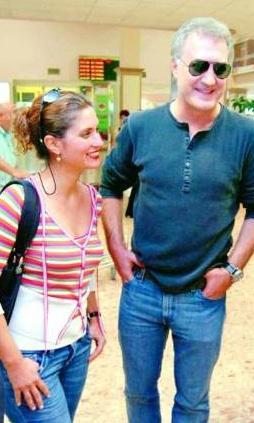 Karadağlı'nın dizideki rol arkadaşı Deniz Uğur ile yaşadığı aşkın resmi olarak ortaya çıkmasından sonra Arzu Balkan, açtığı boşanma davası ile eşinden ayrıldı.    (Hürriyet)