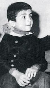 1967'de Hakkeri'de doğan bu çocuk Türkiye'nin önde gelen, yazar, yönetmen ve oyuncularından.