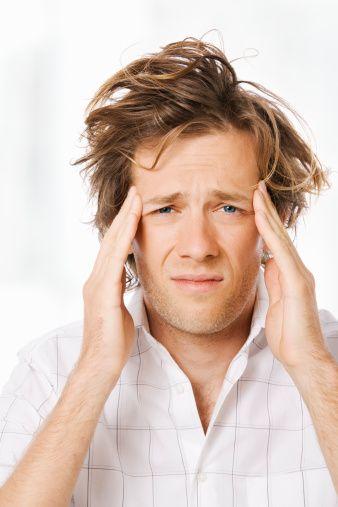 13. Başım ağrıyor  Bu yalan gerçekten bu kadar kullanılıyor mu, kadınlar sevişmek istemediklerinde gerçekten baş ağrısını mı bahane ediyor? Bir kere adı çıkmış yalanın, çok daha yaratıcısı bulunabilir oysa ki…