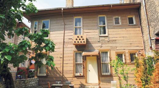 Yeni sezonda ise set tamamıyla Beykoz'a taşındı ve Ali Kaptan'ın yaşadığı ev aslına uygun olarak yeniden inşa edildi.