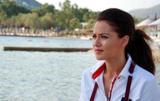 BİRAZ BODRUM, BİRAZ İSTANBUL  Star Tv'nin yeni sezondaki iddialı dizilerinden olan Yalancı Bahar geçtiğimiz hafta izleyici ile buluştu.