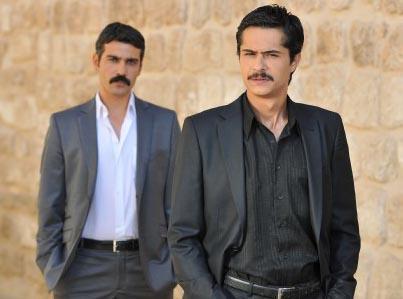 DOĞUNUN GÖZDESİ MARDİN  Başrollerini İsmail Hacıoğlu, Caner Cindorum ve Ece Çeşmioğlu'nun paylaştığı Firar Star Tv'de yayınlanacak.